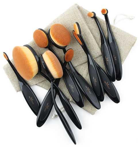 Овальная кисточка для макияжа
